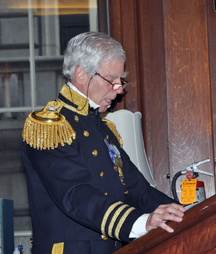 modern man in Civil War naval uniform